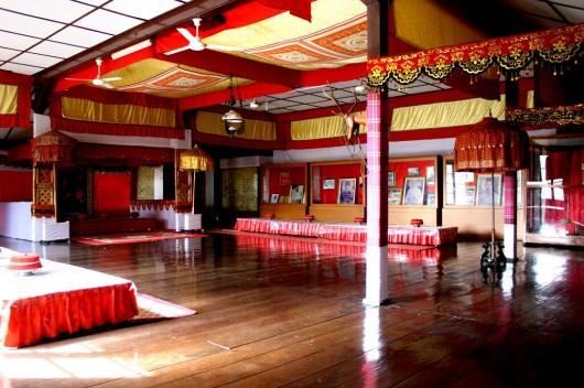 1 Day Makassar Tour : Balla Lompoa to Fort Rotterdam - Wandernesia